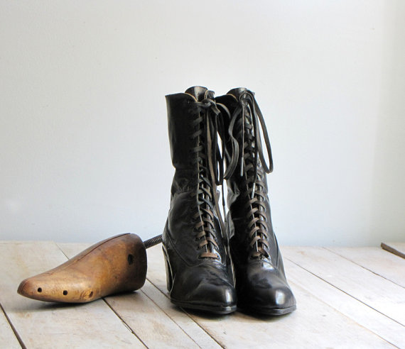 Ladies Antique Boots
