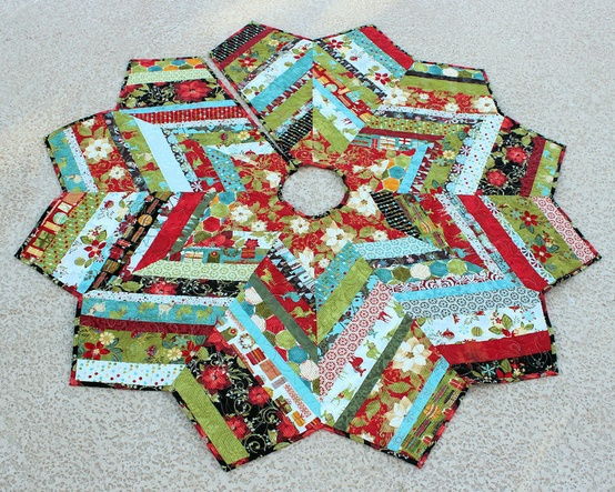 Quilting Pattern For Christmas Tree Skirt : Dresden Star Looks really complicated, but it s not! Though it might not look like it at first ...
